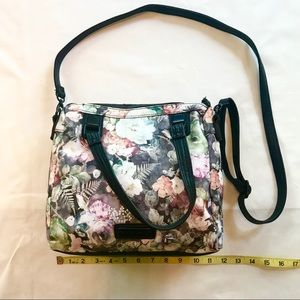 Steve Madden | Quilted Floral Crossbody